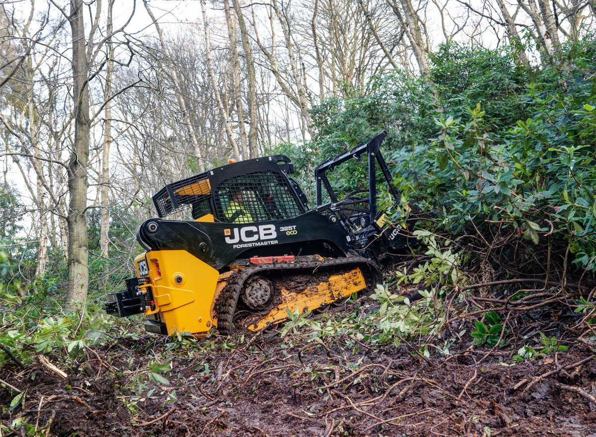 JCB presents the 325T Forestmaster for arduous and hazardous forestry work. https://t.co/UM6nstbPqV https://t.co/7KzQJhzcSD