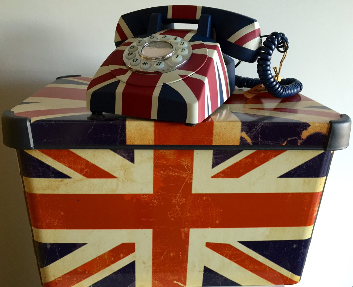 Let's be a little more patriotic RT&FLW to win this Union Jack phone and storage box #FreebieFriday ends 01/07/16 https://t.co/jso4g85hRP