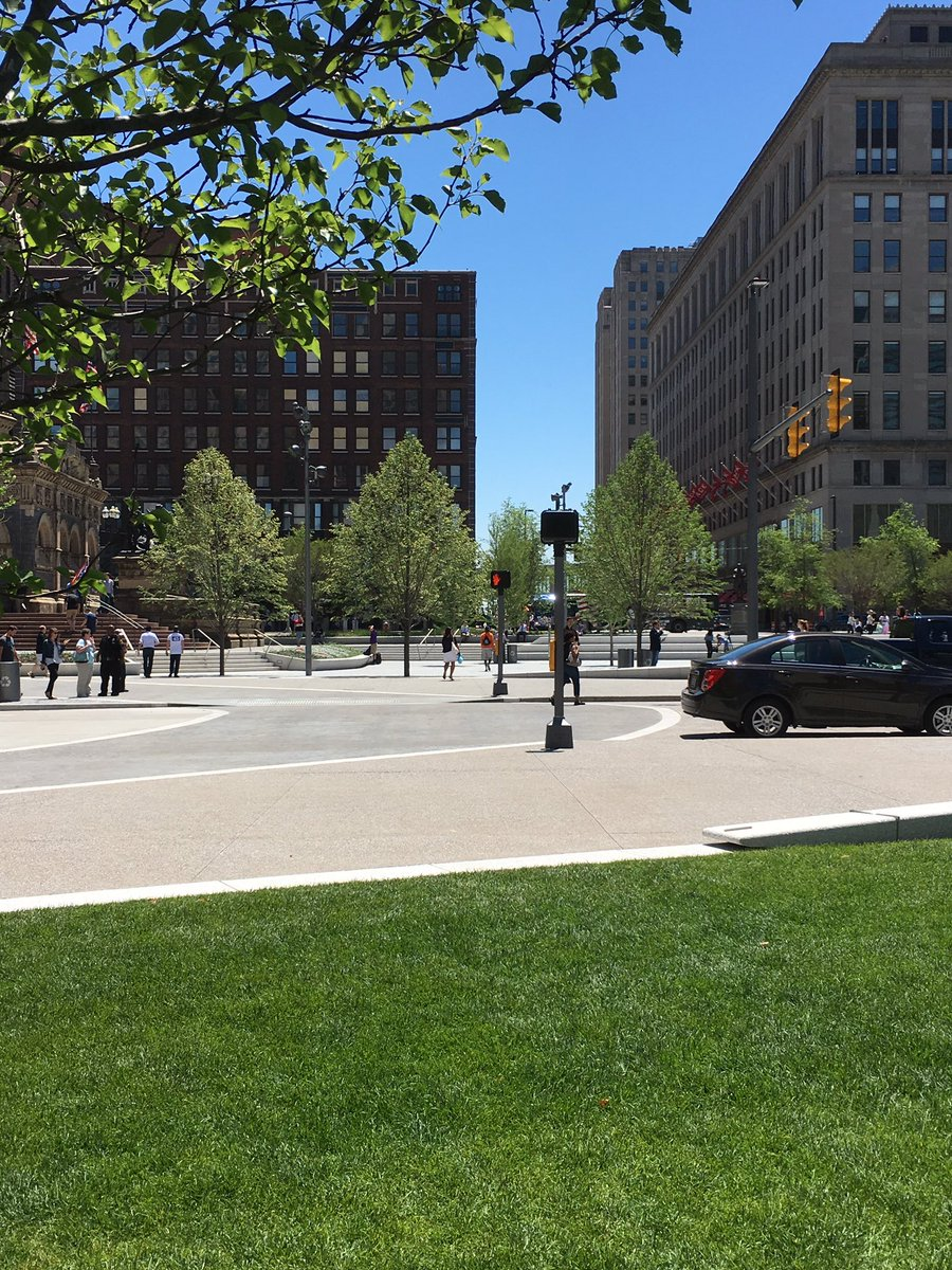 The fence is down! Go find your favorite spot on the new Public Square! #dtcle #PublicSquare https://t.co/iZivyo8ifN