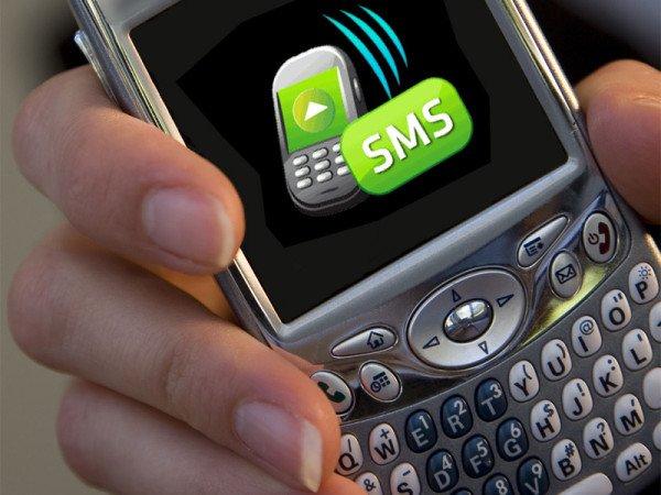 Prendere il Cellulare alla fidanzata per leggere gli SMS è reato di rapina