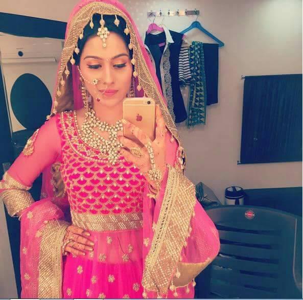 Devika,Kalash,Life OK,pics,images,pictures,photos,Ambika,Aparna Dixit,bridal,dress,actress,look,pink