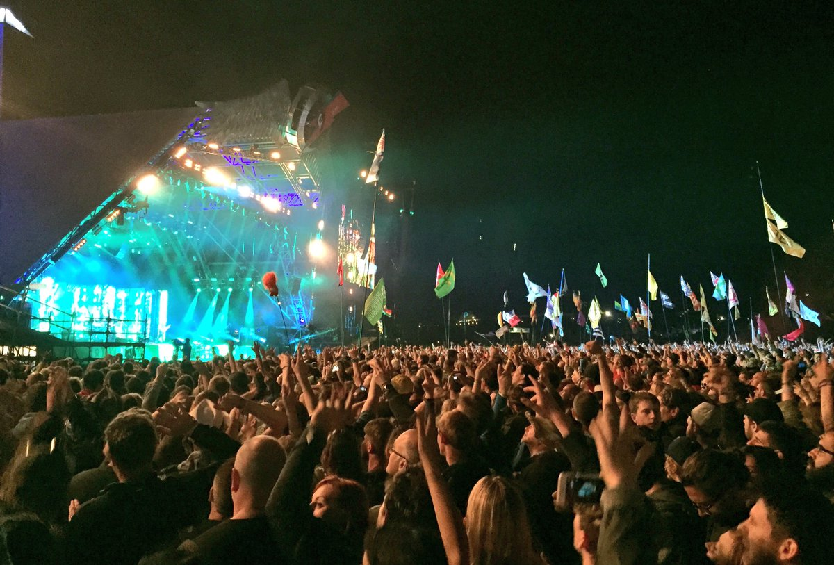 """Our time is running out"". Muse have got Glastonbury bouncing. CS https://t.co/99dGo9Vbn9"
