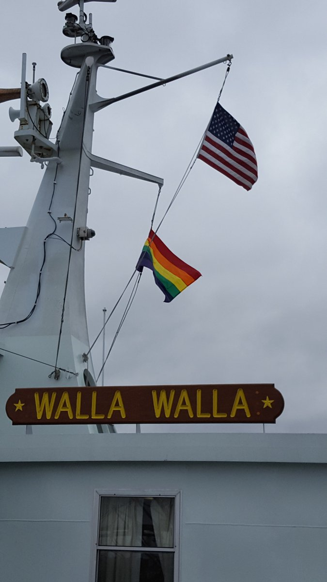 Look for the rainbow flag atop our downtown Seattle ferries thru Sun, June 26 in celebration of @seapridefest! https://t.co/sVDuFxgC0T