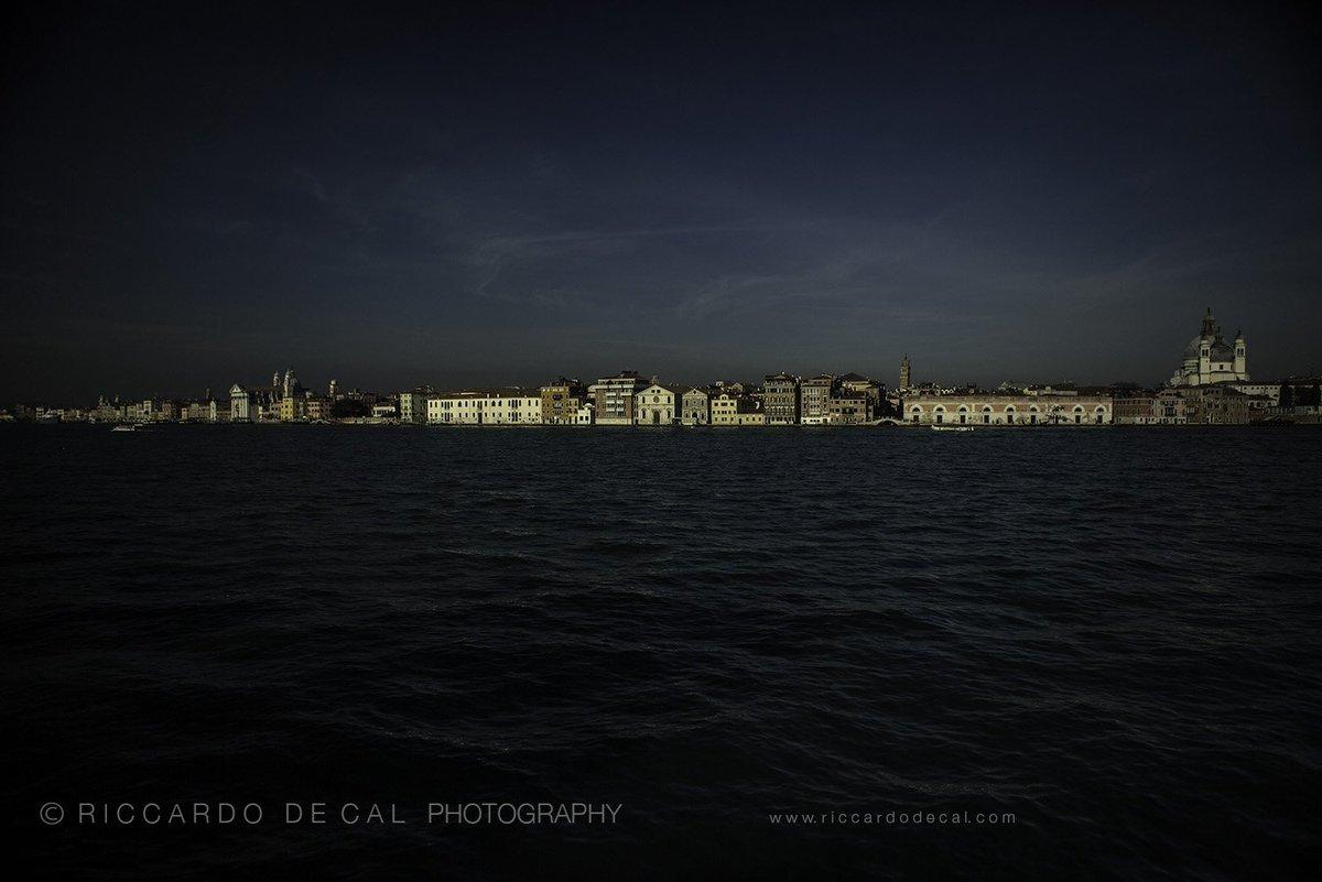 """ #Venice where everything flows, unpredictable, like nature itself."" #Fuksas  #architecture https://t.co/vAIM2M9WBF https://t.co/4V2vvxVmqr"