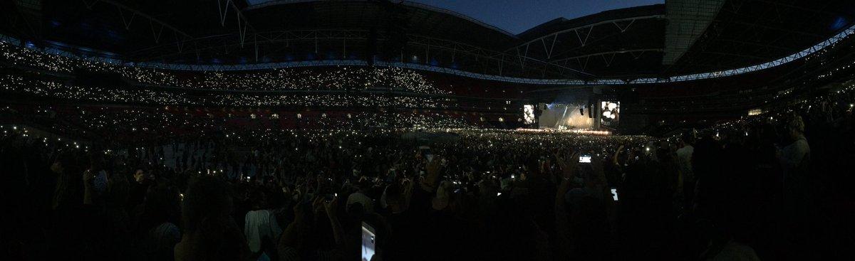 .@rihanna lit up Wembley Stadium tonight! (literally) #ANTIWorldTour https://t.co/hlT40U9LR5