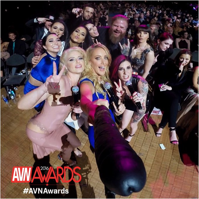 Who watched the AVN Awards tonight?! ?✨ #SelfieDick #AVNAwards #AVNAwards2016 https://t.co/XHPE6vvvs