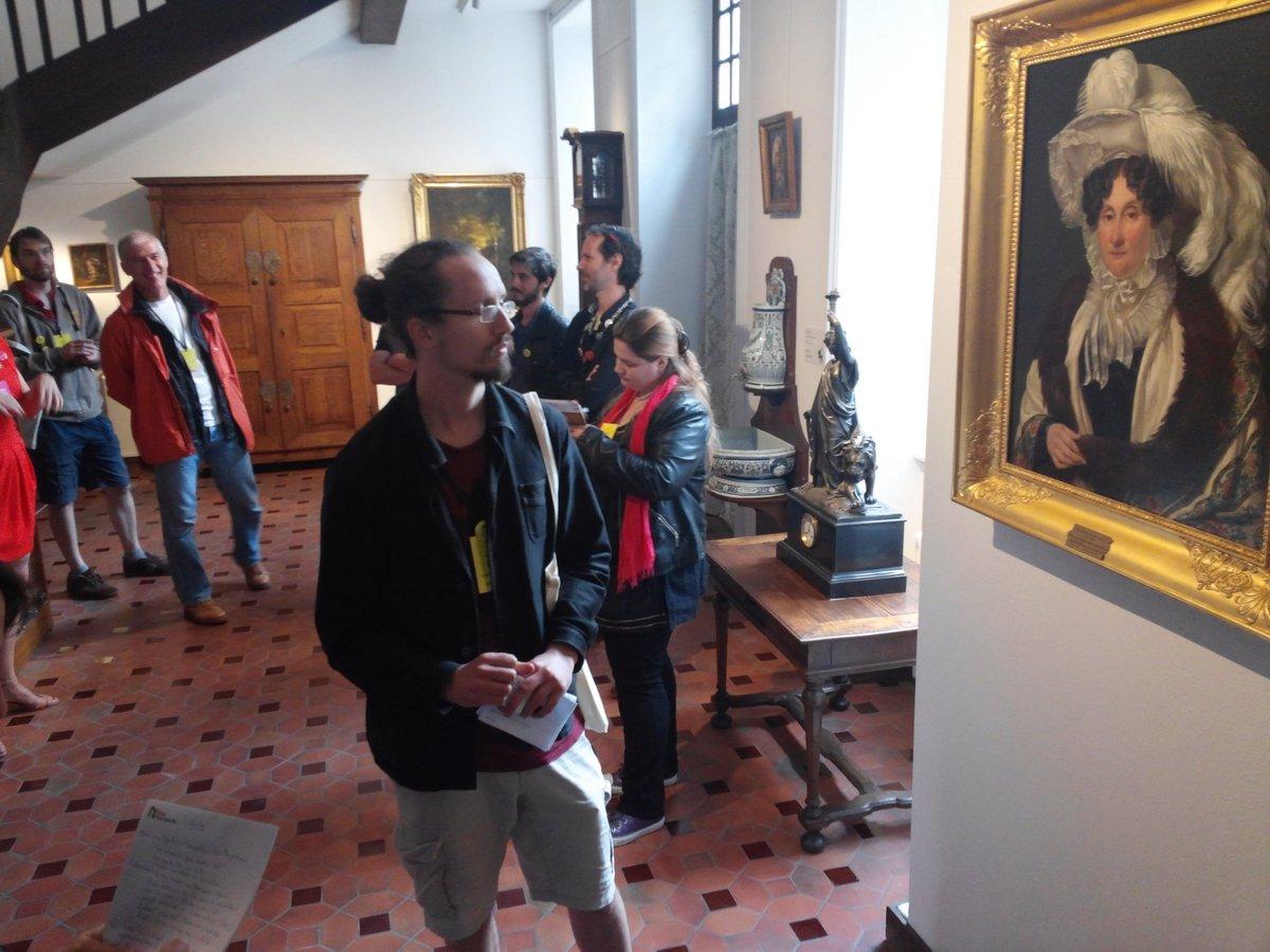 #museosprint Les museosprinteurs visitent et découvrent les trésors du @MuseedeVire Lesquels vont-ils les inspirer ? https://t.co/5fnTUnWchY