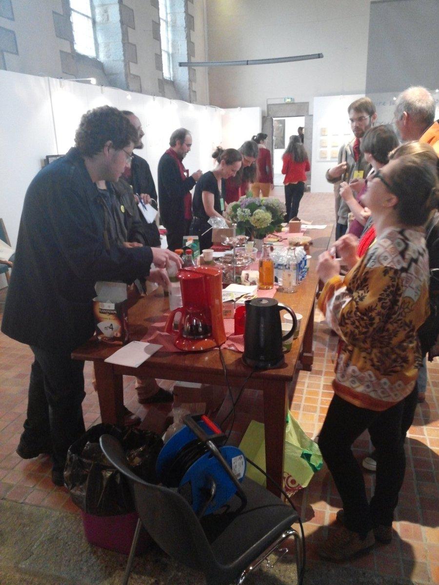 #Museosprint Reprise des forces avec un peu de café et une bonne dose de @TagadaOfficiel comme on aime à #museomix https://t.co/ABZK8QgZVc