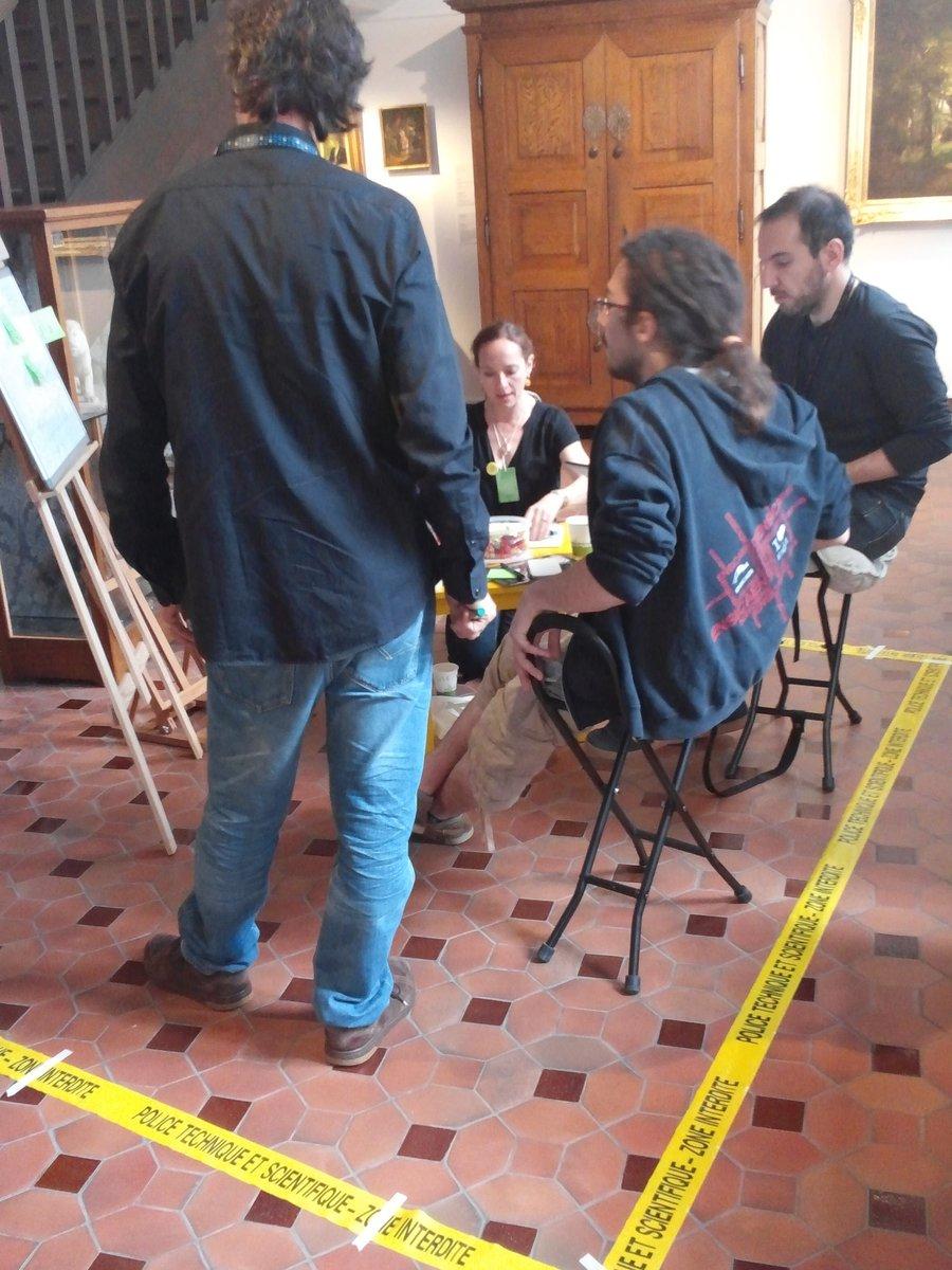 Scène de crime au @MuseedeVire à coup de post-it, feutres et idées #museosprint https://t.co/sdMPPxmfbD