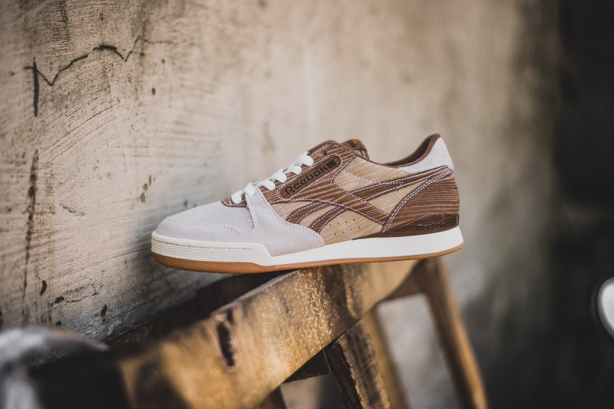 """3958a5ebdfb Reebok Phase 1 Pro CNL x mita """"Year of Court"""" is available ONLINE now!   hanon  reebok http   www.hanon-shop.com i q AR1013 reebok-phase-1-pro-x- mita … ..."""