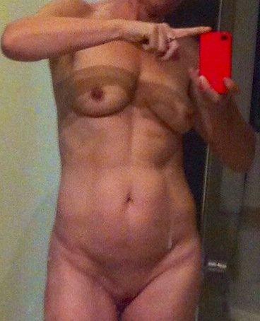 Nude Selfie 6446