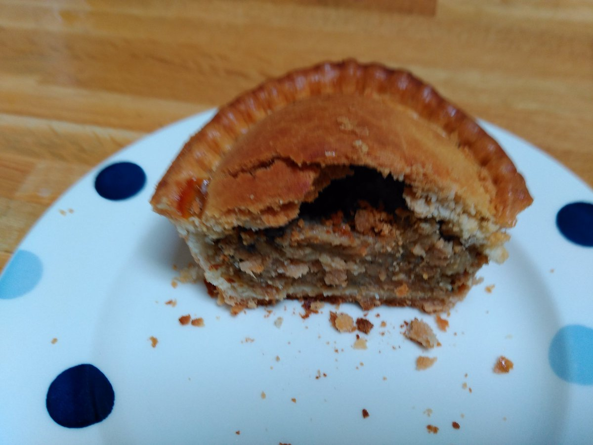 Pocklington's Sausage & Onion Pie