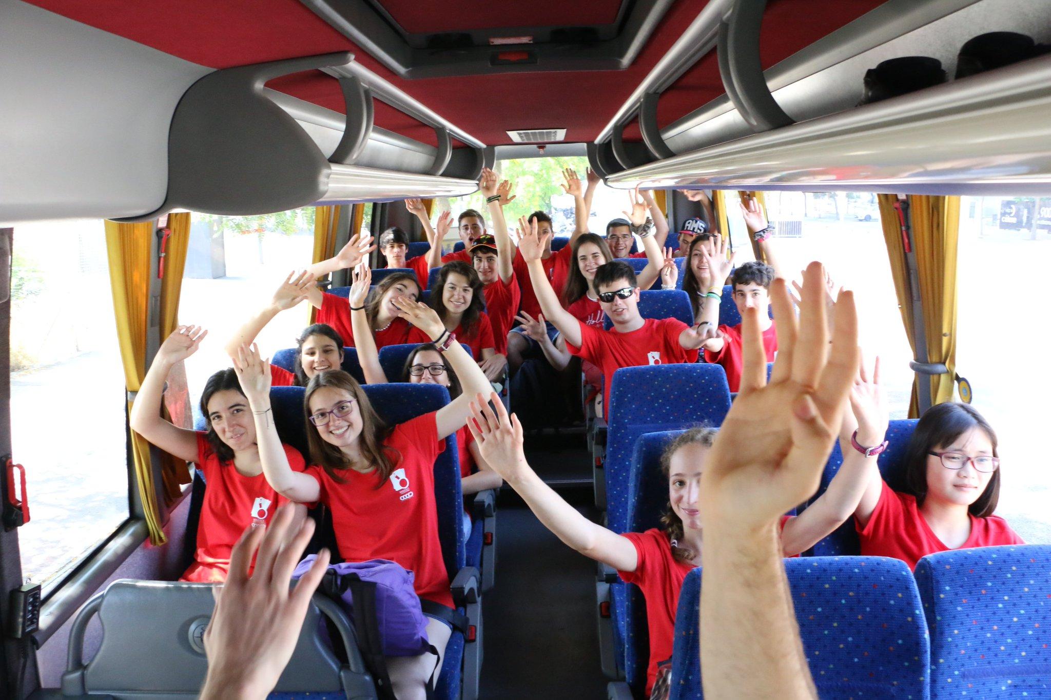 Al 4rt dia del #cemc16, excursió en bus al Museu Blau i al Museu del Rei de la Màgia, a Barcelona. https://t.co/f0VabHaMKT