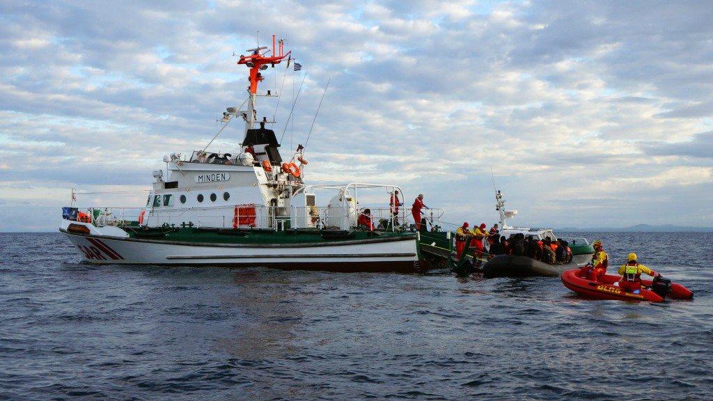 'Frontex lijkt taxidienst voor migranten': https://t.co/O3AbUrWnd6 https://t.co/NWd1327cb1
