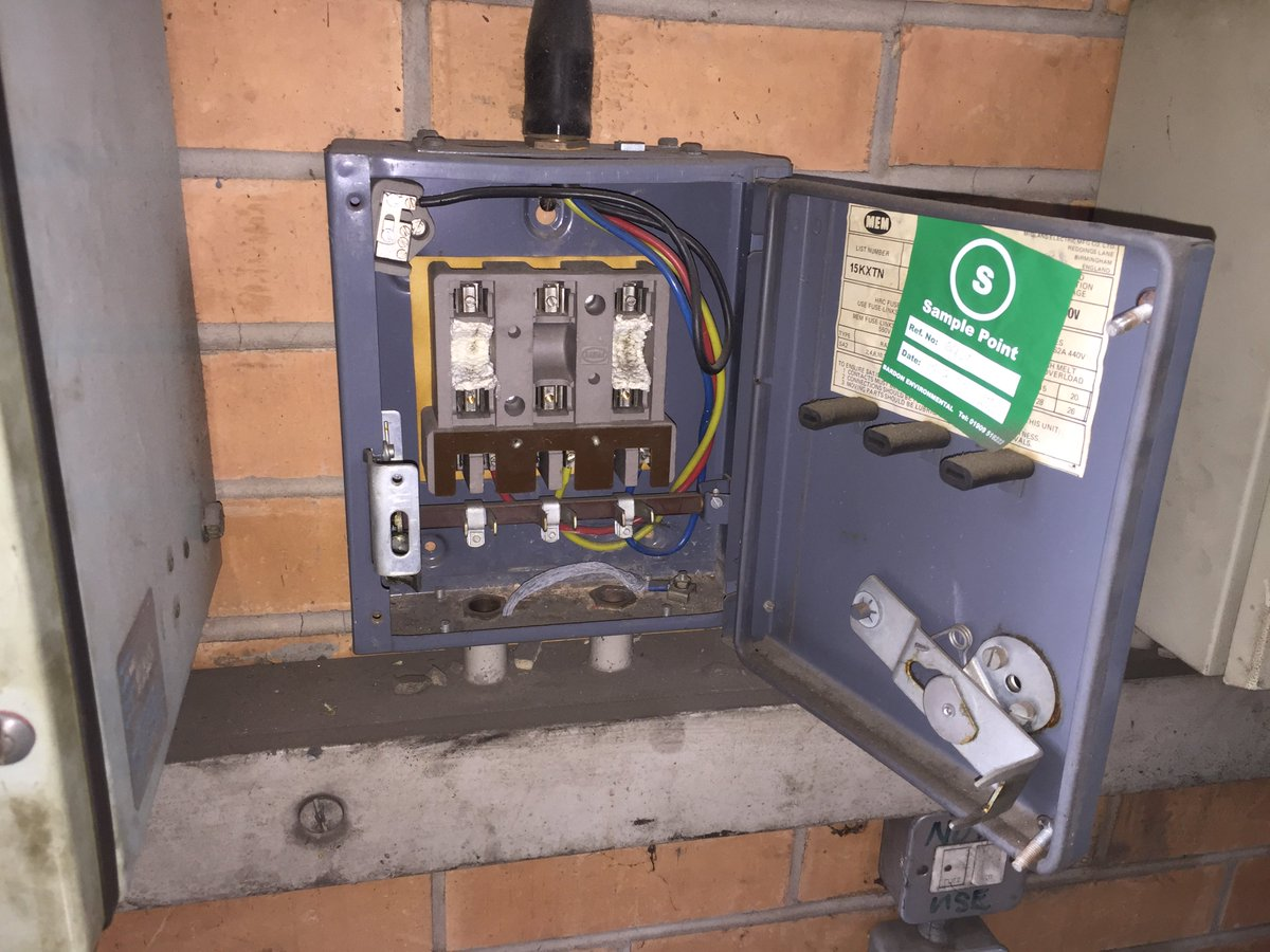 "Bardon Environmental on Twitter: ""Woven Asbestos Flash Pads to fuse beds,  found in older fuse boxes. Content of up to 100% white asbestos. #asbestos…  """