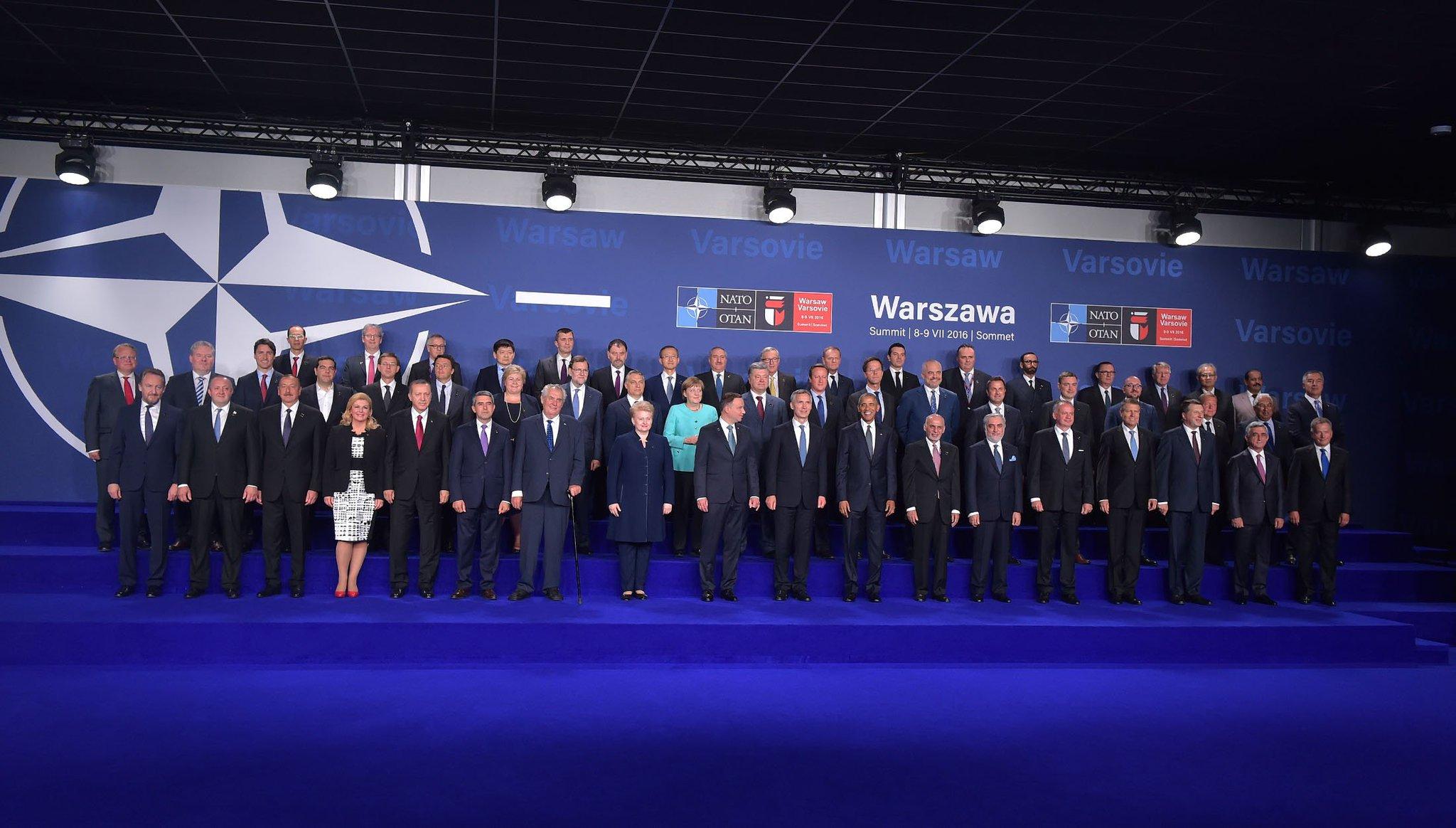 Thumbnail for En route pour le #SommetOTAN #Varsovie 2016 - Réunion des ministres des Affaires étrangères #OTAN #Alliés