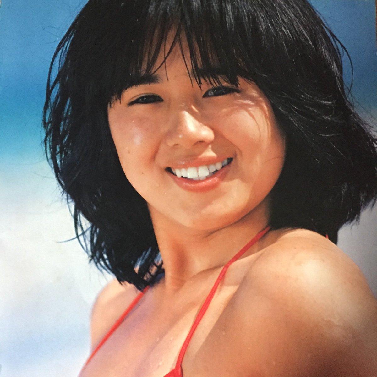 80年代アイドル 水着 林紀恵の1atアルバム「トロピカルジャンプ」の歌詞カードは水着写の真集になっています。80年アイドルの中でも、これだけ力を入れて作られたアルバムはそうそう無いと  ...