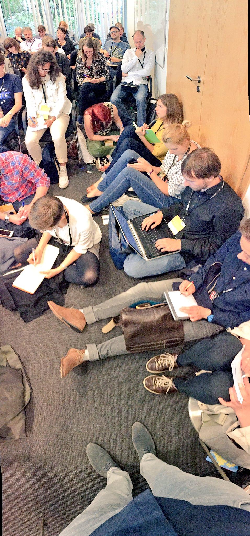 Innovationen und #DesignThinking scheinen am #nr16 zu interessieren. #FromWhereIStand https://t.co/3d6S202Oyk