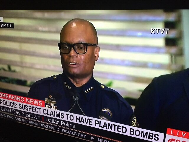 Never thought they would have LA Reid do us like this #DallasPoliceShooting https://t.co/vZp27KKgRJ