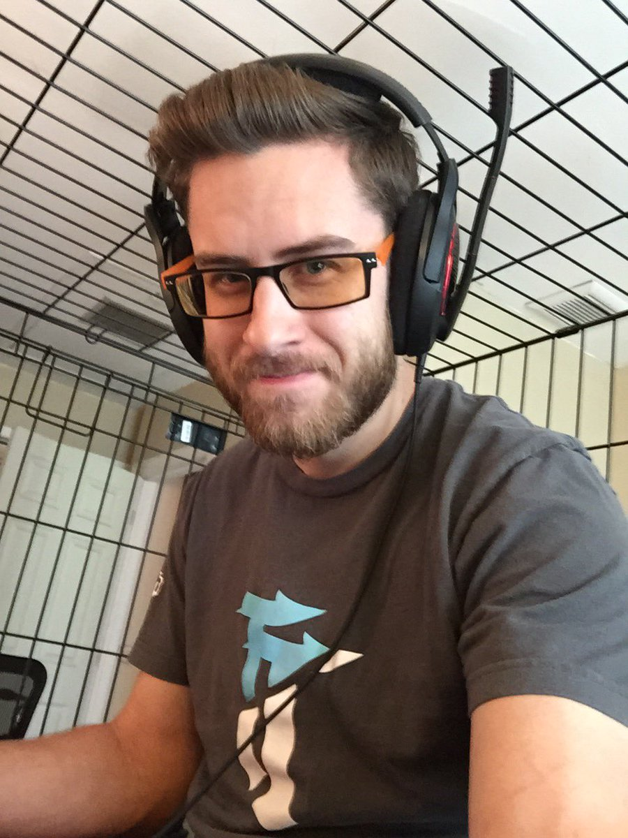 Cdew on twitter dog cage selfie feelsbadman publicscrutiny Choice Image
