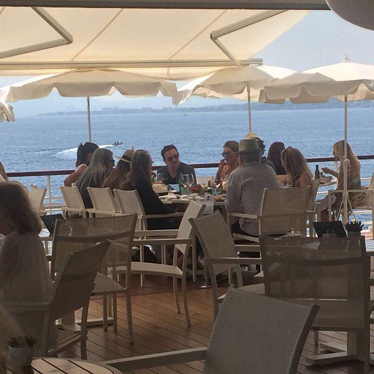 8db72e2e7ee #Bono & #Guggi with #JohnRocha and his entourage in #StTropez via @