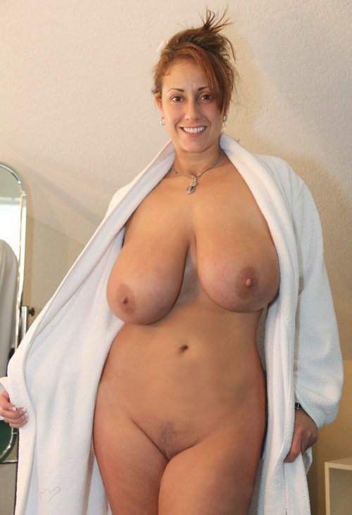 Charming Sexy pear shaped milfs naked