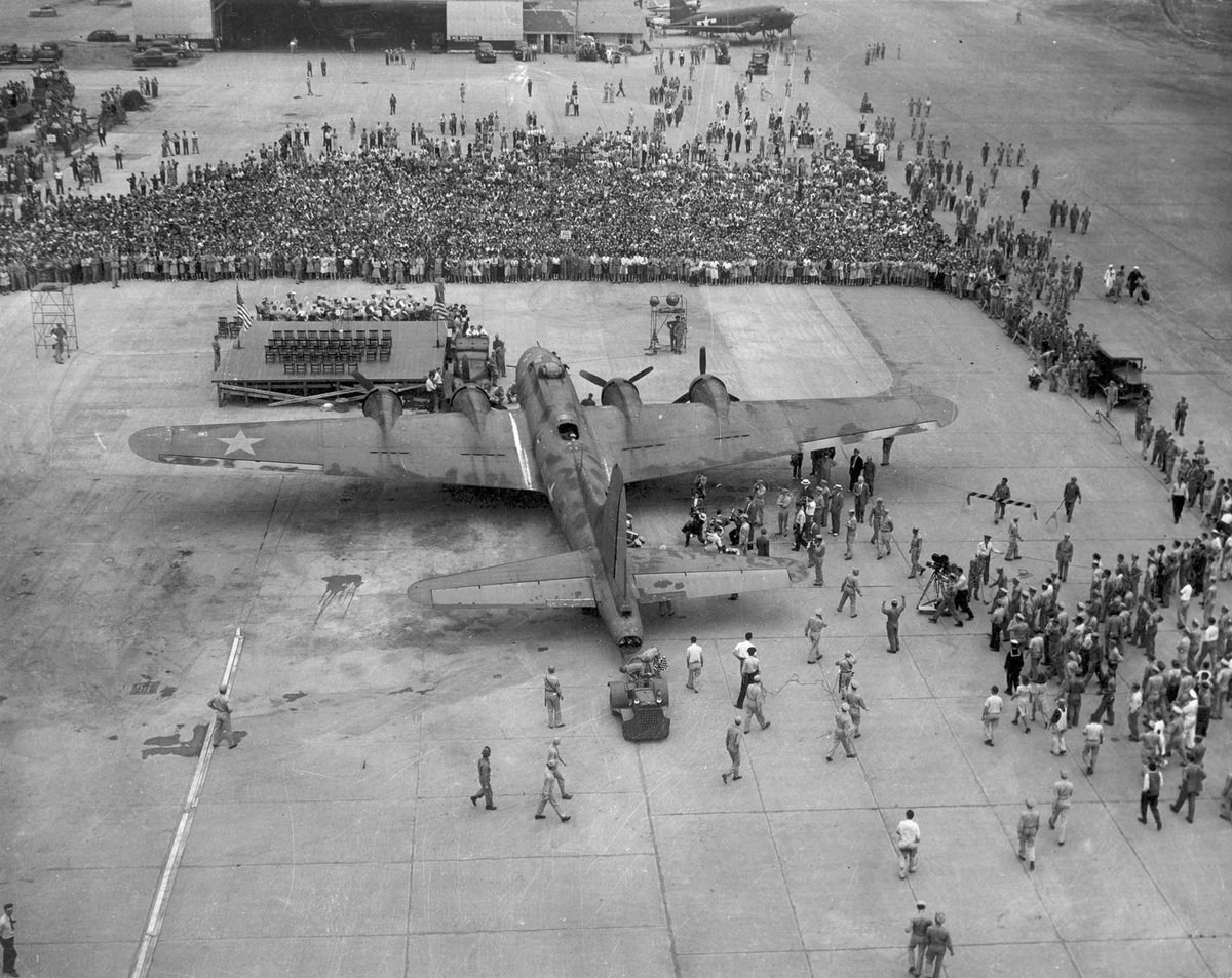 #OTD in 1943: #MemphisBelle & crew visited Patterson Field in #Ohio, now part of @WrightPattAFB. https://t.co/1CaE3P6lFx