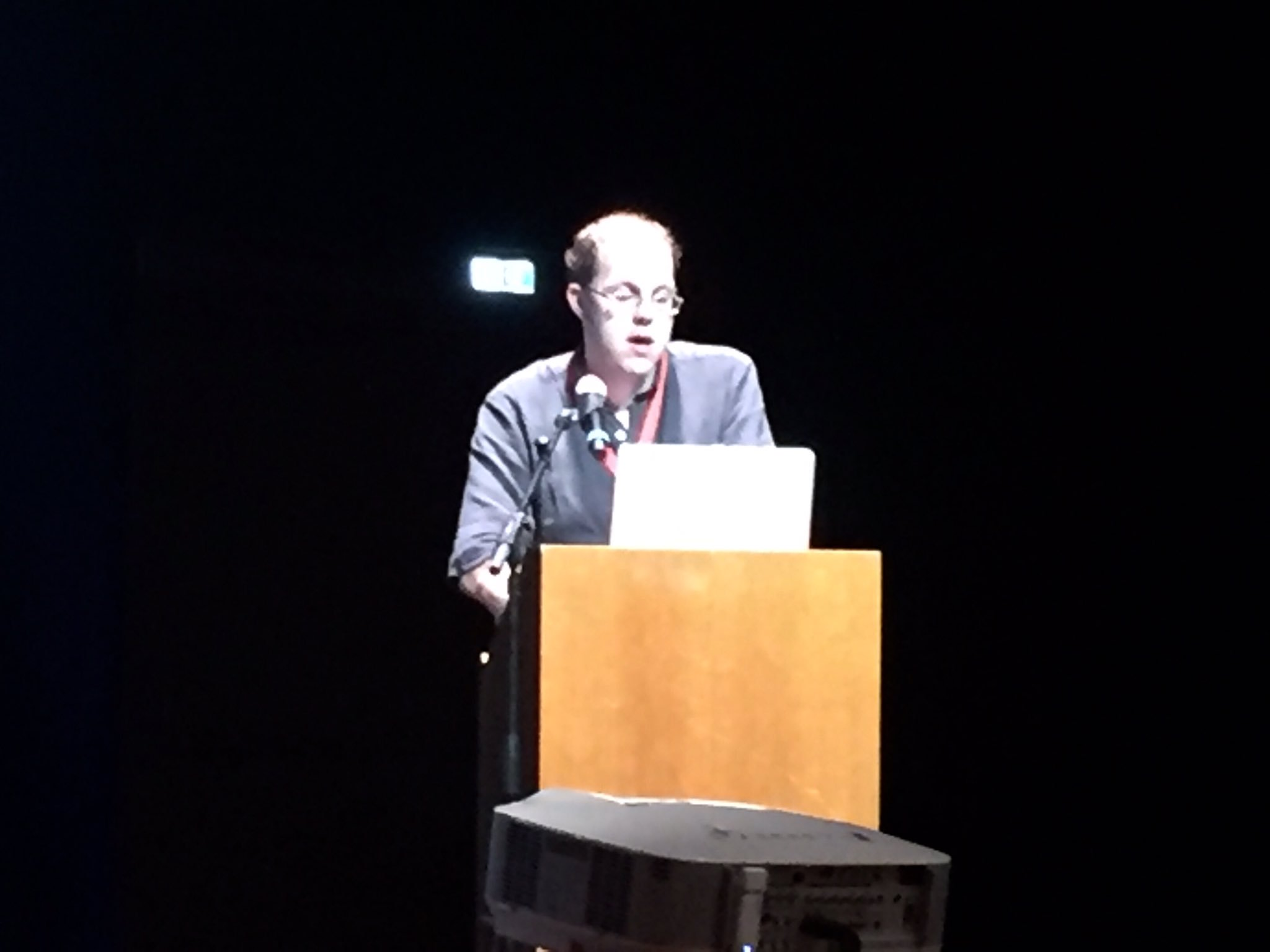 Benjamin Knysak delivering the citation for H. Robert Cohen, honorary member of IAML #iaml2016 https://t.co/RIxsjdqyFE