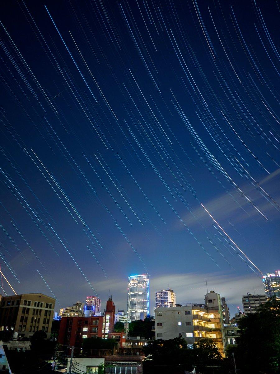 今夜は久々に空に星が輝いています。梅雨空でスッキリしない日が続きますが、こういう時はゆっくりと夜空を見上げるのも良いですね。#六本木天文クラブ pic.twitter.com/ddvovdp3Eg