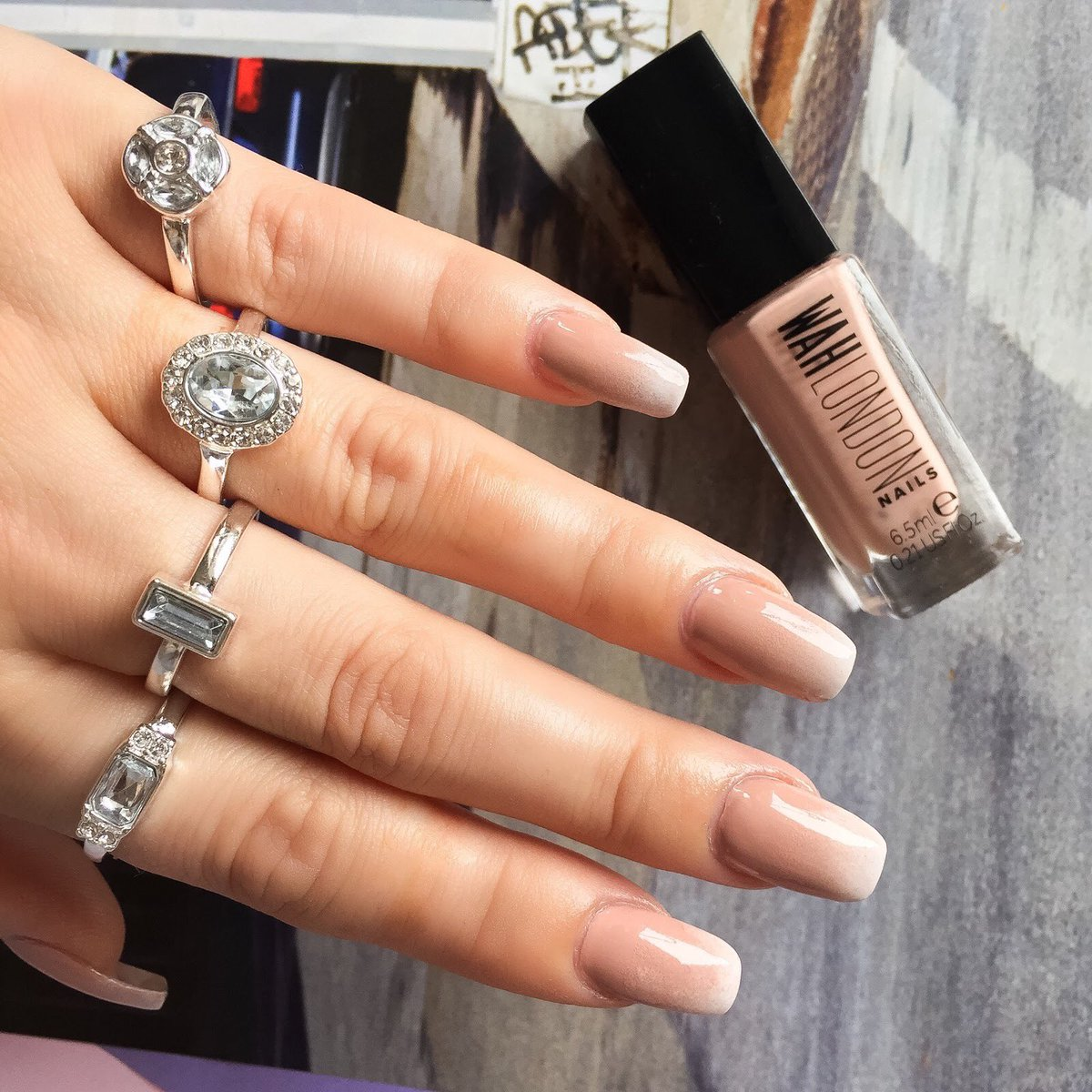 Milf hands many rings long nails