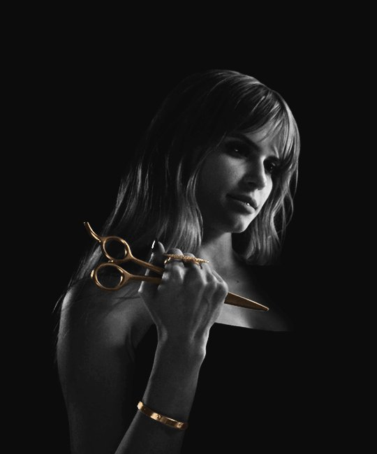 Carlson Young - Brooke Maddox - Página 3 Cm8ut66UEAAgVHb