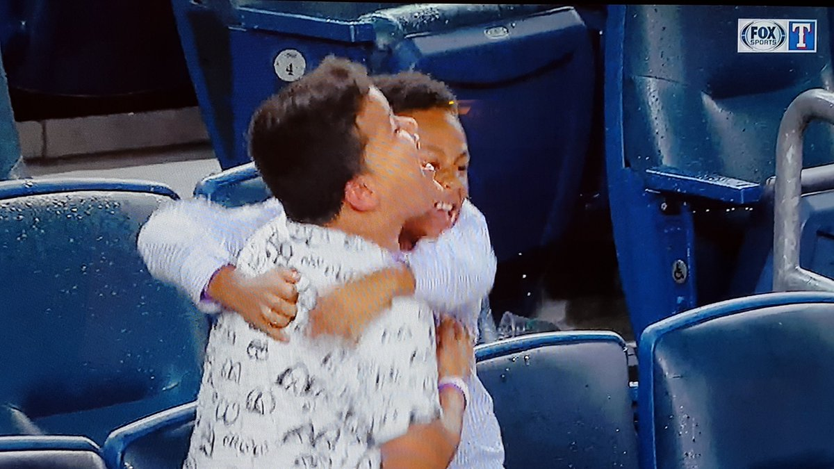Beltre's son and Prince's son celebrate Beltre's go-ahead single... #awesome https://t.co/Bx4oCVxbJZ