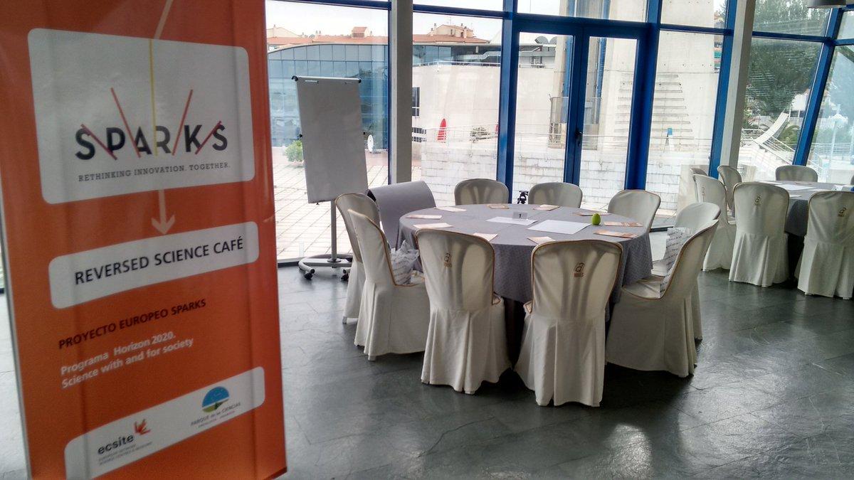 ¡Todo preparado para arrancar el Reversed Science Café de @sparks_eu ! https://t.co/OwrzIfUJHk
