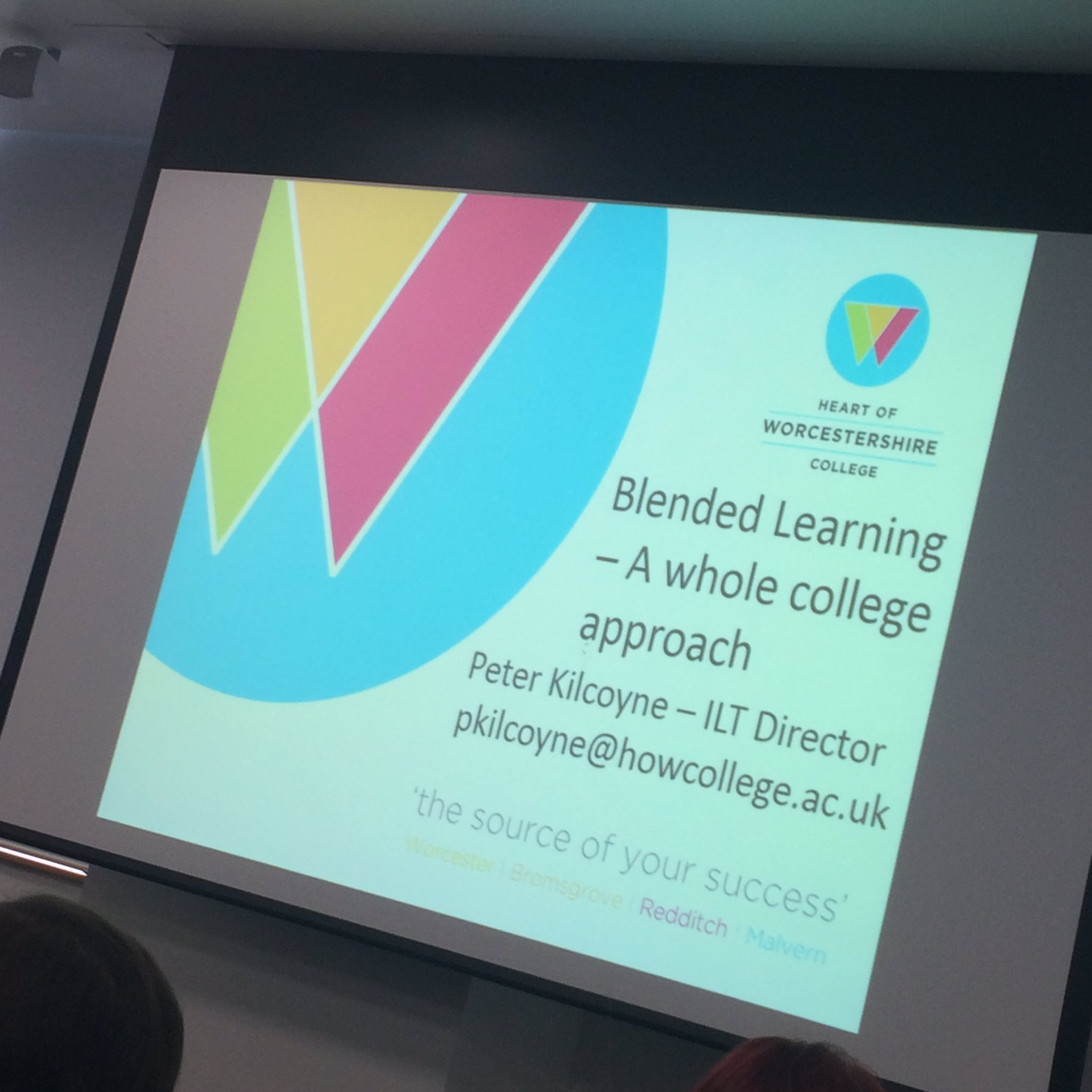 ...And the day has started! First up at #arlg16 is Peter Kilcoyne presenting about blended learning. Interesting! https://t.co/voLXsRxIjv