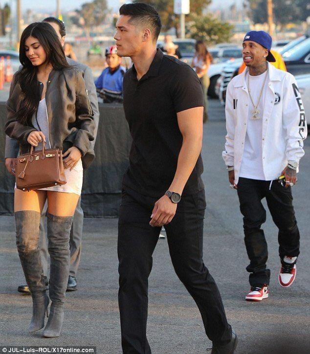 That moment when your girlfriend's bodyguard... Is... Hotter... Than... You... https://t.co/YF0memj6VJ
