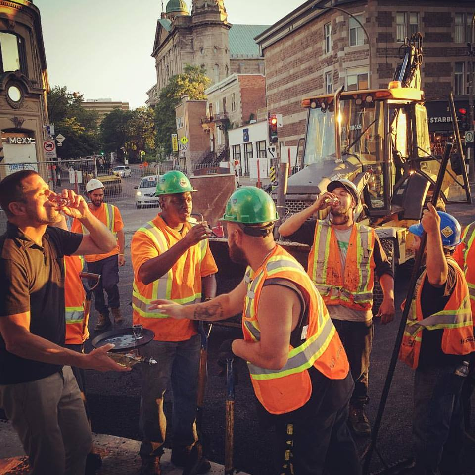 "Restaurant that set up ""terrasse"" in the dirt on St. Denis celebrates the end of road work with workers https://t.co/U0rLqEO6en"