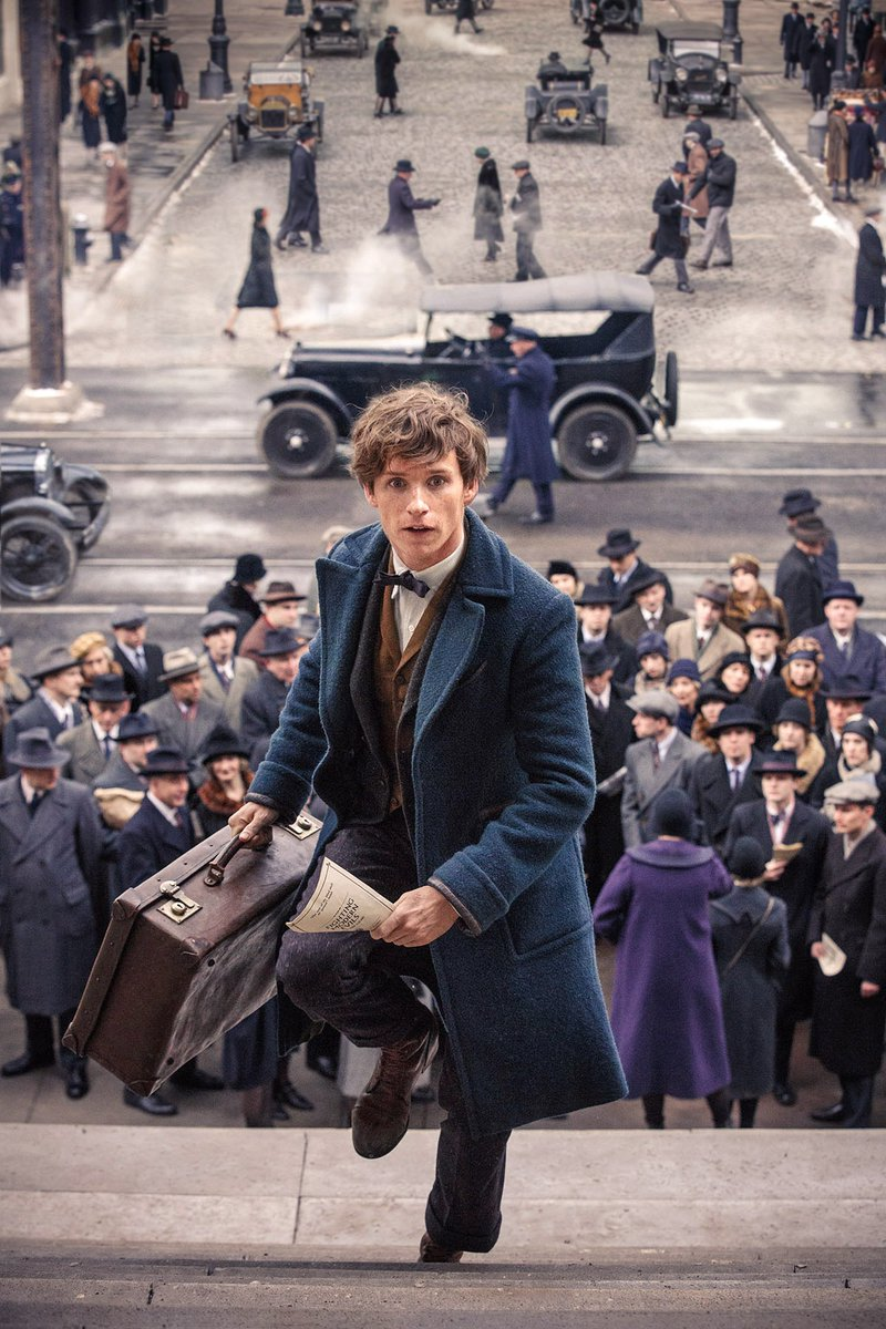 You could be at a screening of @FantasticBeasts alongside @jk_rowling Eddie Redmayne & more https://t.co/iDPPiBjf0J https://t.co/jzRQI9qD8y