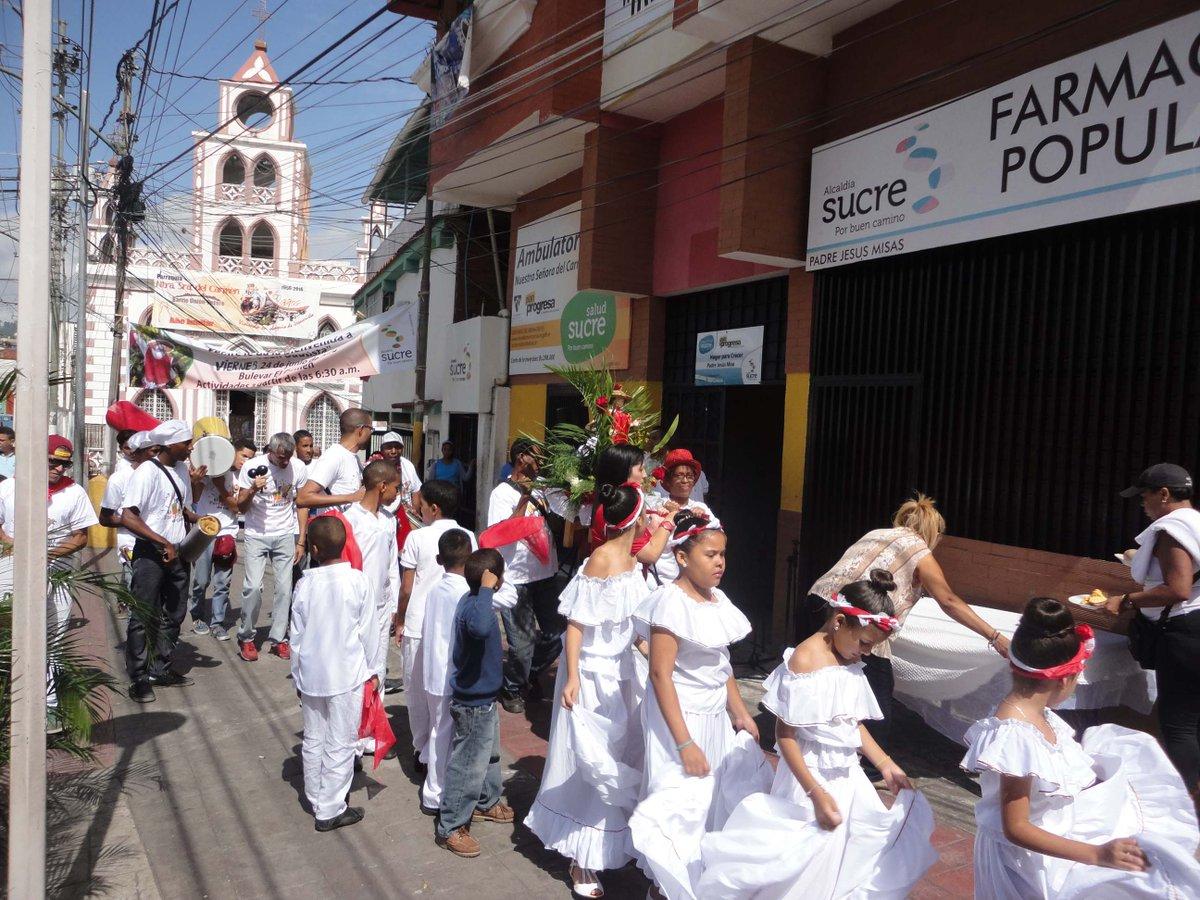 El Barrio Unión de Petare celebró la Fiesta de San Juan Bautista #24Jun #CulturaContigo https://t.co/Ub7OLUrRcC