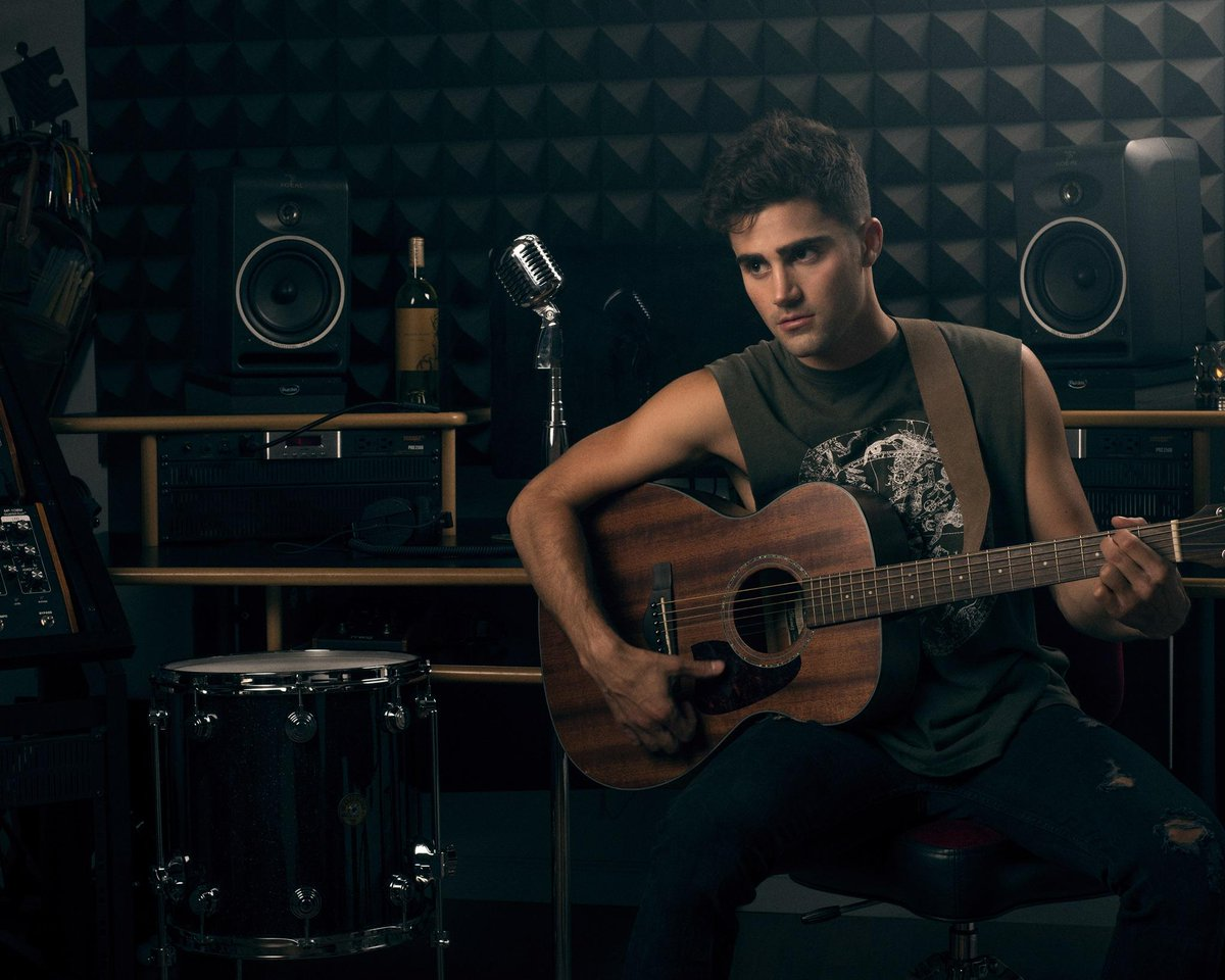 Currently on repeat: @maxehrich, seen here jamming out in the ultimate #TopmanStyle. https://t.co/WrldbCn3Xd https://t.co/lgV2wMDF3O