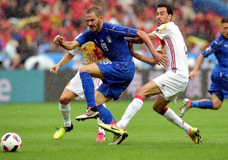 Italia practica el juego de posición y España no > https://t.co/9eDFnV82aS https://t.co/RDfUxM8jGc