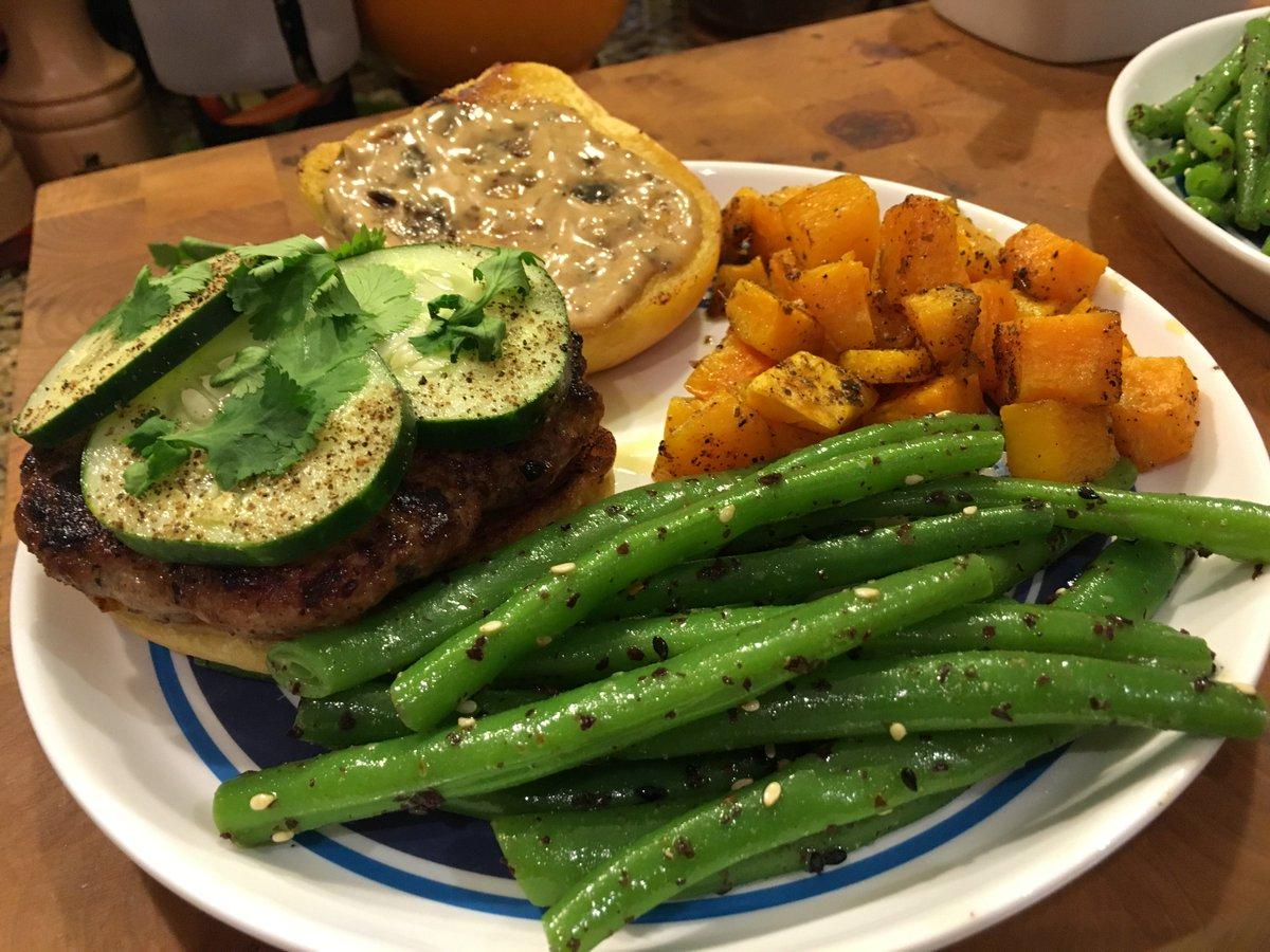 Blue apron pork burgers - Flatfootfox On Twitter Ginger Pork Burgers With Black Bean Mayo Furikake Dressed Green Beans And Bonus I N V A D E R Squash Blueapron