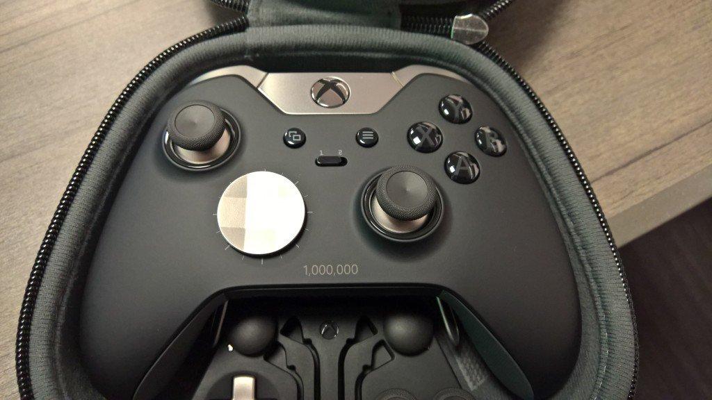 Chefão do Xbox publica foto do milionésimo controle Elite do Xbox One
