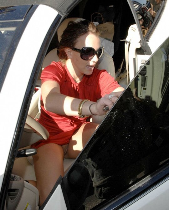 Britney spears flashing her vagina in public