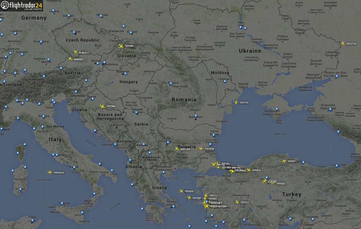 Most Istanbul flights now diverting to Izmir or Ankara. BA680, KL1617 and SU2134 are returning to origin airport.