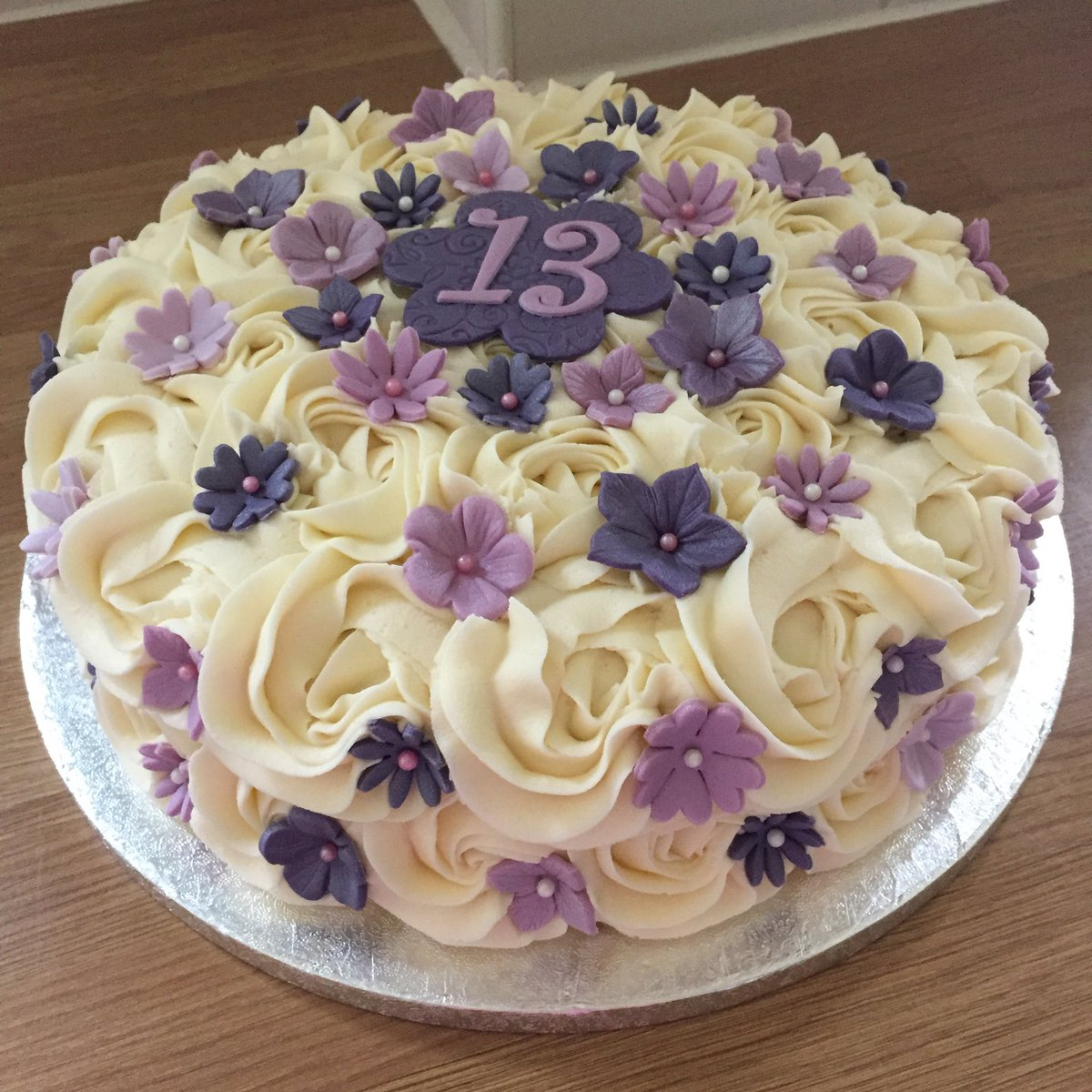 Saddleworthbakehouse On Twitter 13th Birthday Cake Vanilla