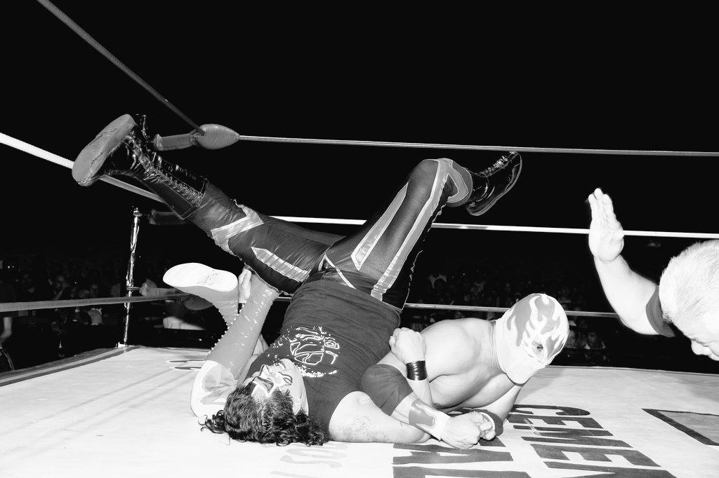 CMLL: Una mirada semanal al CMLL (del 23 al 29 de junio de 2016) - Zeuxis, reina nacional; Michael Elgin se corona en Elite; Joker, monarca medio de Occidente y más... 14