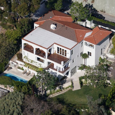 Photo: house/residence of the sexy arrogant  5 million earning Los Angeles-resident
