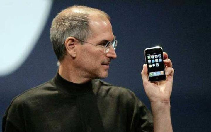 Exactly 9years ago the iPhone was launched by Steve Jobs. Today it's hard to imagine life without them. https://t.co/WgW1iguvnp