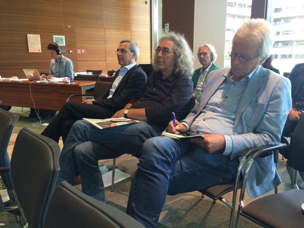 Drie museumdirecteuren (vlnr): #PeterSluiter #DirkMulder #HeinKlompmaker  blij met miljoenen van provincie #dvhn https://t.co/gnJCGYafwd