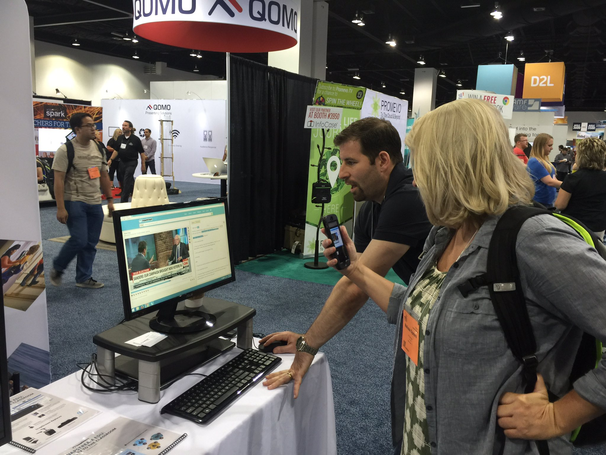 Our very own @BrianWeissman27 giving a demo to Melissa Spears from @TierneyBrothers #ISTE2016 #iste https://t.co/LMqiWlaOBe